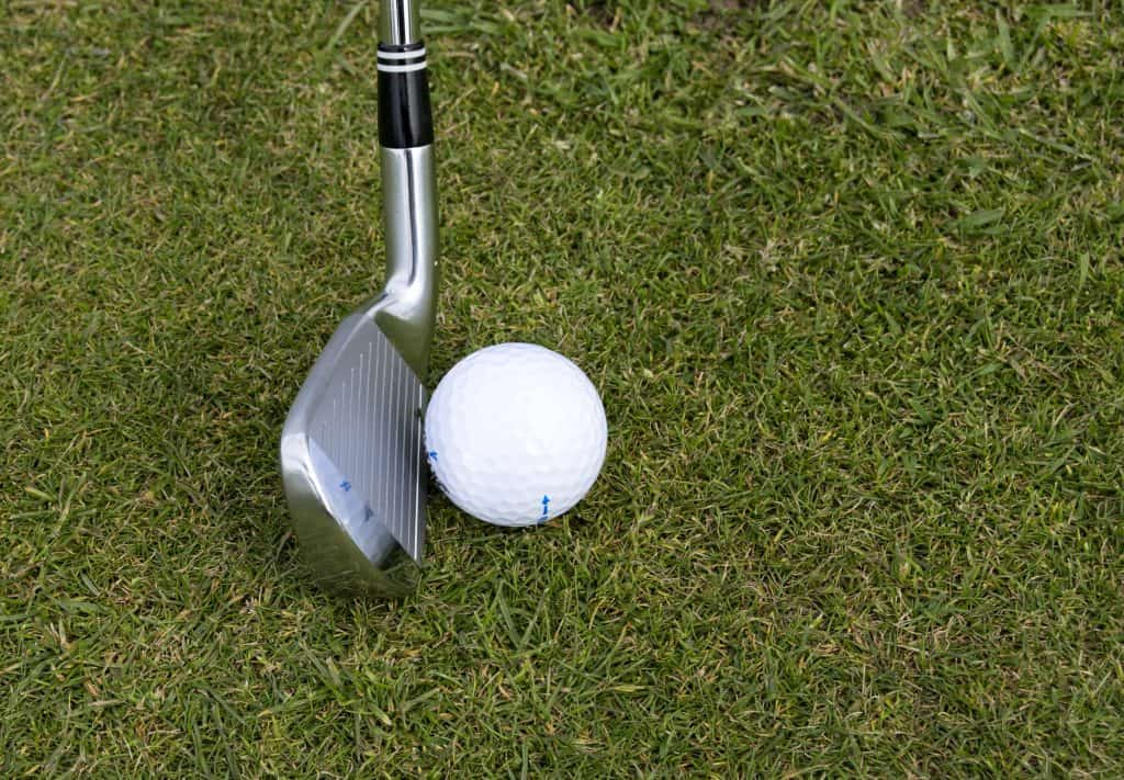 best degree wedge for chipping around the green